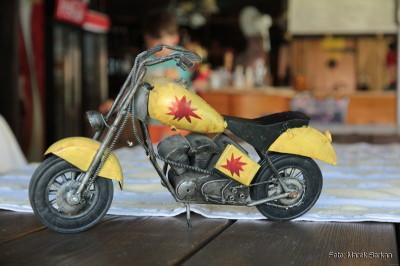 Nawet zabawki - eksponaty nawiązują do tradycji H&D - te są oryginalnymi starymi zabawkami wykonanymi z metalu (!)
