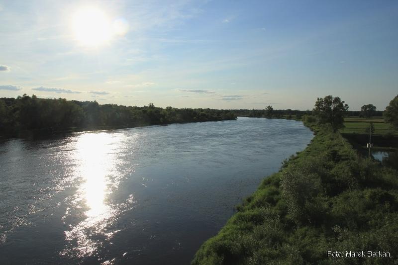 Widok z mostu na trasie 62 koło Frankopola (na zachód)