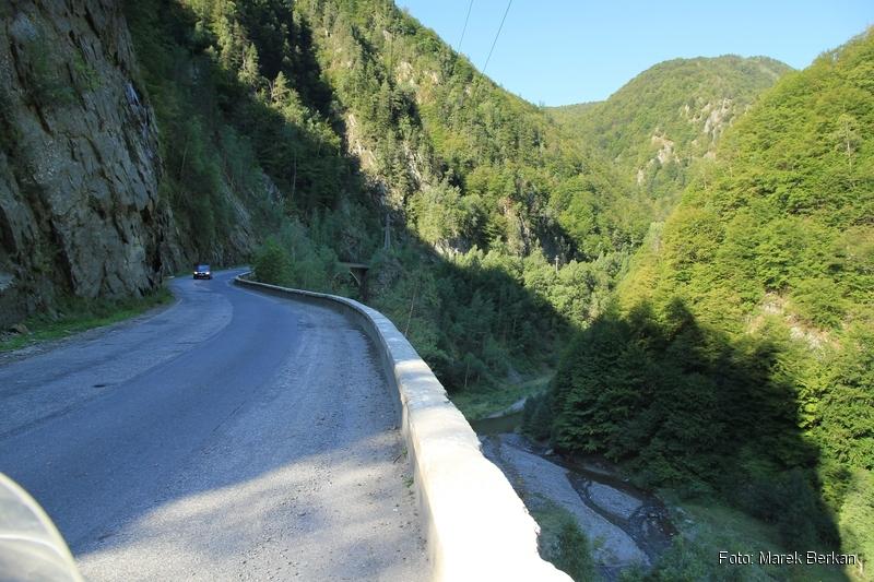 Droga Transfogaraska (7C) - dolina rzeki Ardżesz, widok na północ