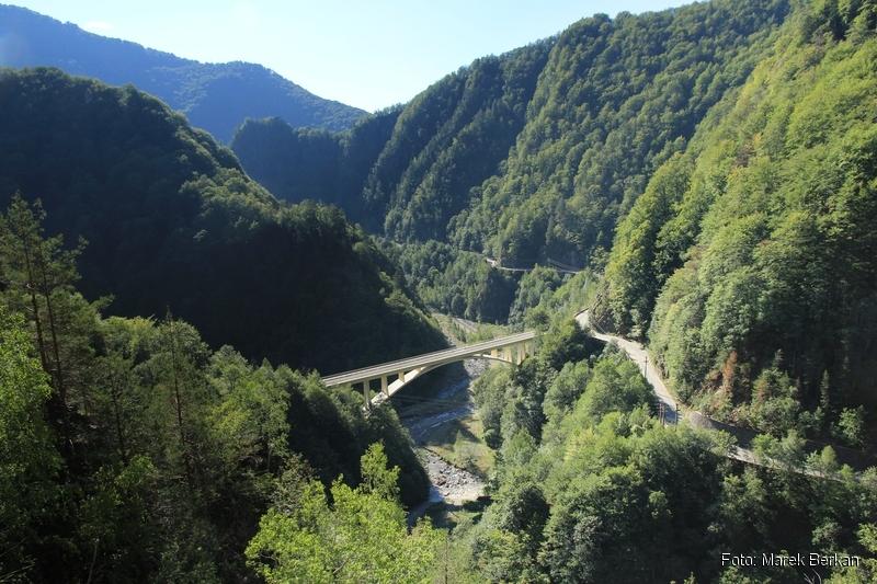 Droga Transfogaraska (7C) - dolina rzeki Ardżesz, widok na południe