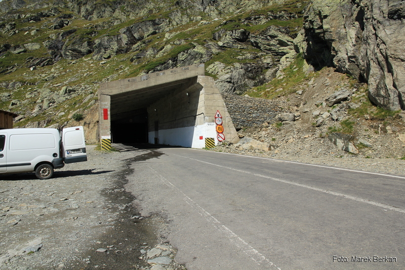 Droga Transfogaraska (7C) - najdłuższy tunel w Rumunii (884 m)