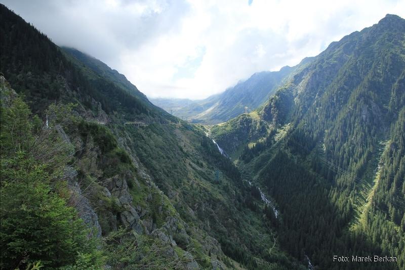 Droga Transfogaraska (7C) - widok w kierunku przełęczy (południowym)