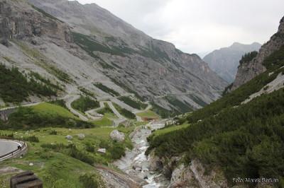 Droga z przełęczy Stelvio na zachód