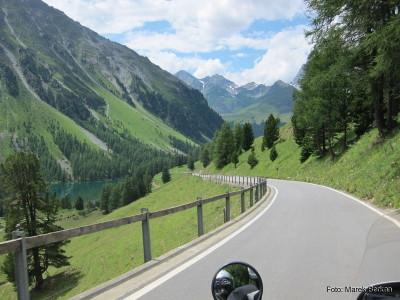 Droga z przełęczy Albula