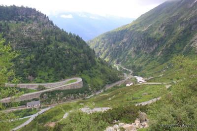Droga z przełęczy Przełęcz Oberalp na zachód