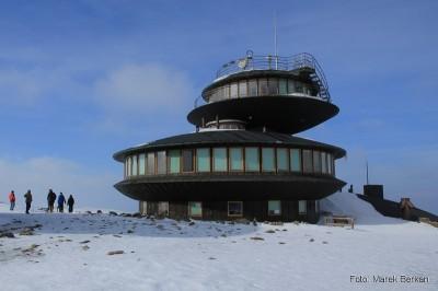 """Polskie """"UFO"""": bar/restauracja oraz obserwatorium na Śnieżce"""