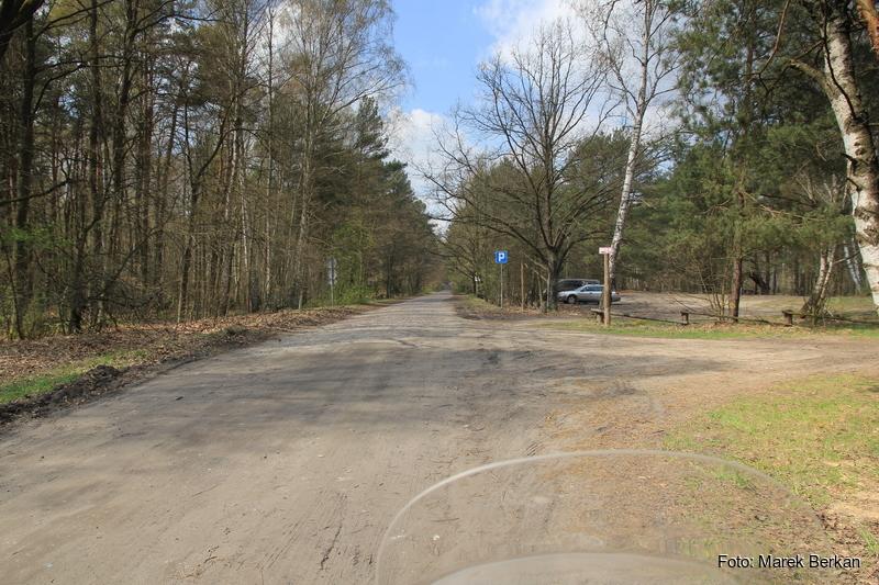 Droga Truskaw - Palmiry przez KPN - parking Pociecha