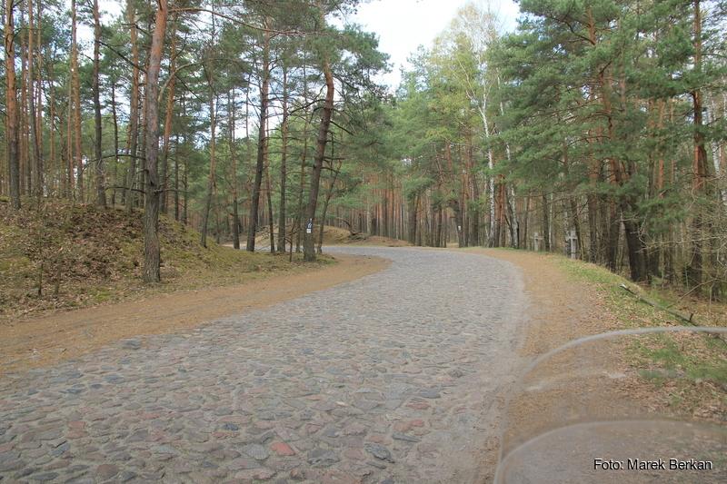Droga Truskaw - Palmiry przez KPN - winkle :-)