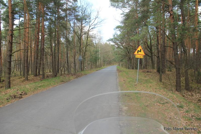 Droga Truskaw - Palmiry przez KPN - asfalt