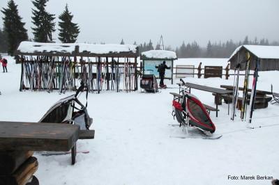 Na nartach - trzy egzemplarze Charriot Cougar przez schroniskiem Orle