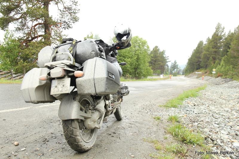 Tak wyglądały nasze motocykle po jeździe szutrami w deszczu