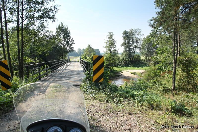 Most na rzece Bukowa koło miejscowości Nalepy