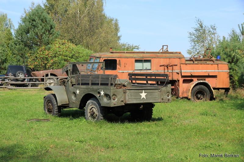 Kolekcja starych samochodów