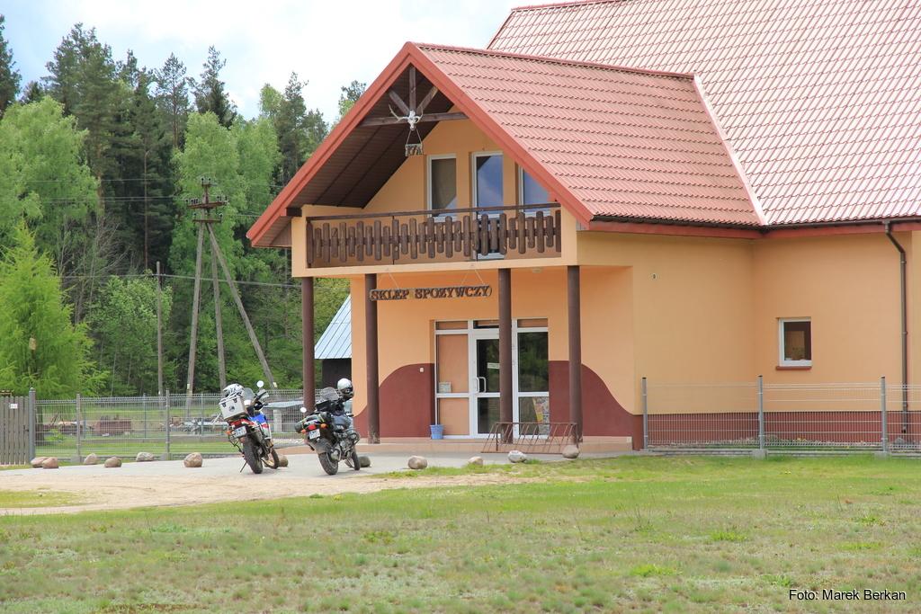 Sklep spożywczy w miejscowości Zelwa