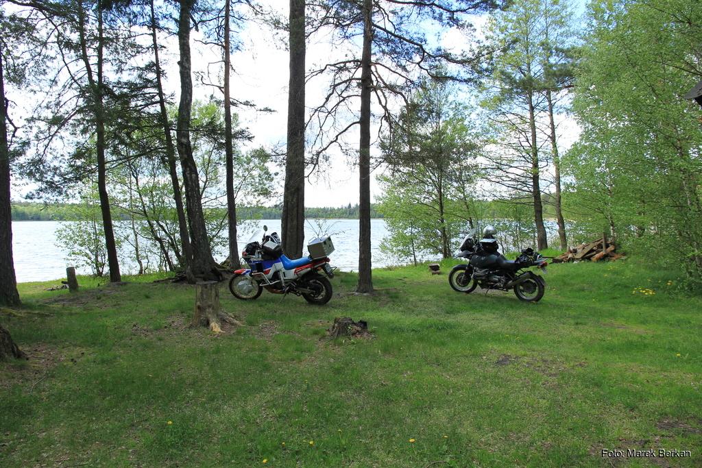 Biwak przy jeziorze Płaskim