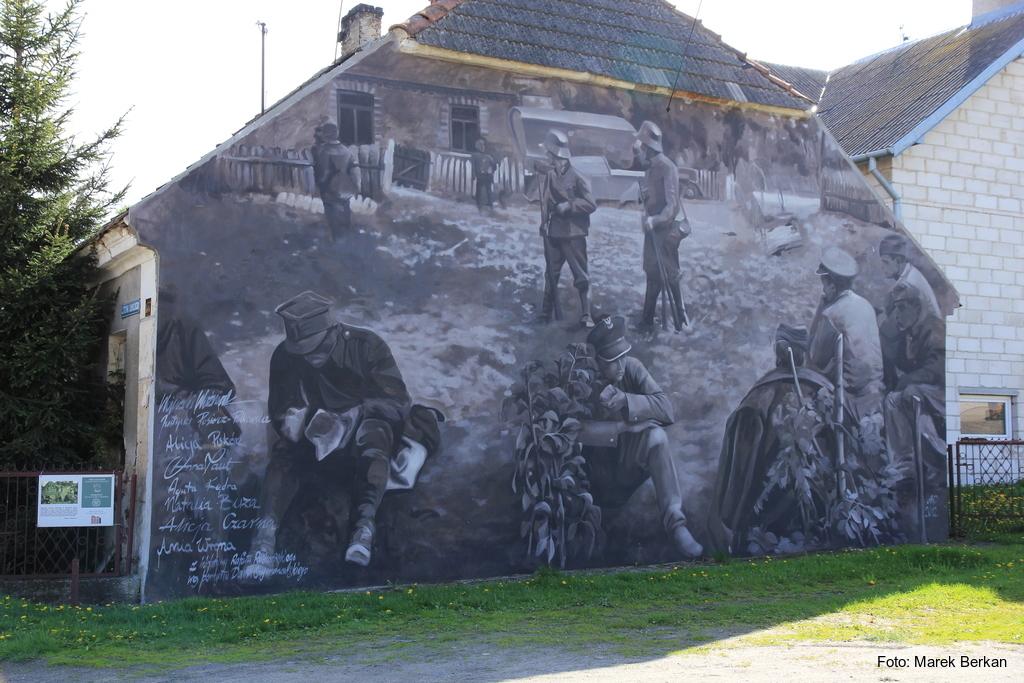 Mural w miejscowości Wizna