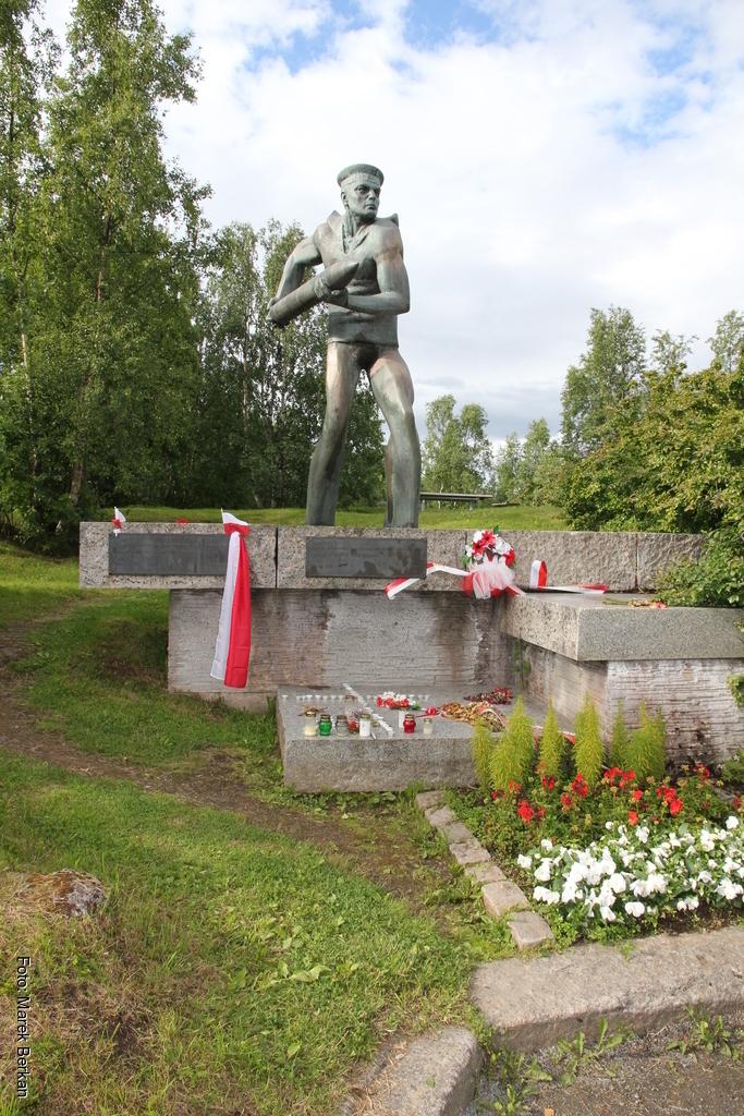 Pomnik polskich marynarzy z ORP Grom poległych w Bitwie o Narwik