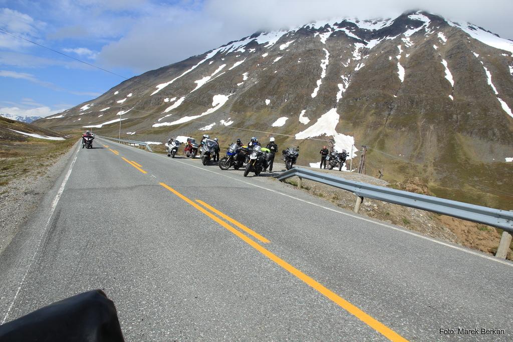 Zorganizowana grupa niemieckich motocyklistów
