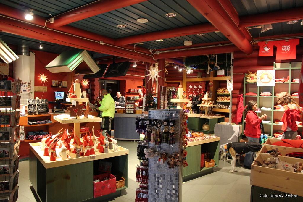 Rovaniemi - tutaj Święty Mikołaj organizuje wyprzedaże