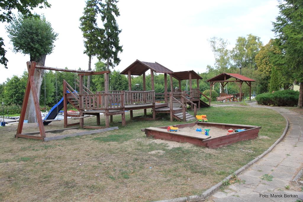 Plac zabaw w Zielonym Gaju