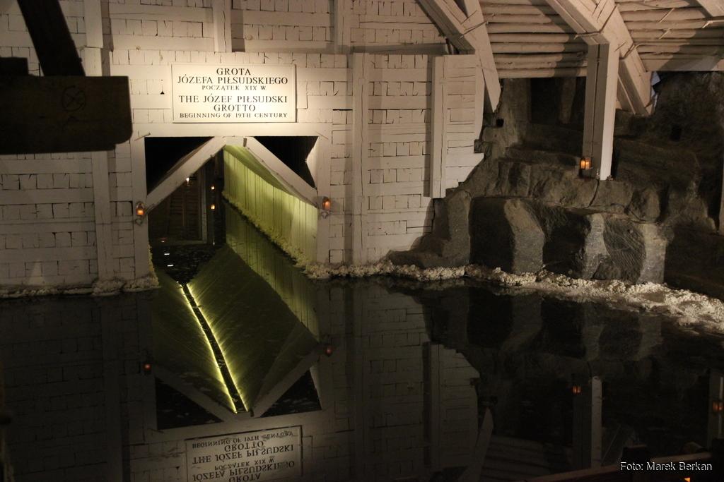 Podziemnie jezioro i kanał