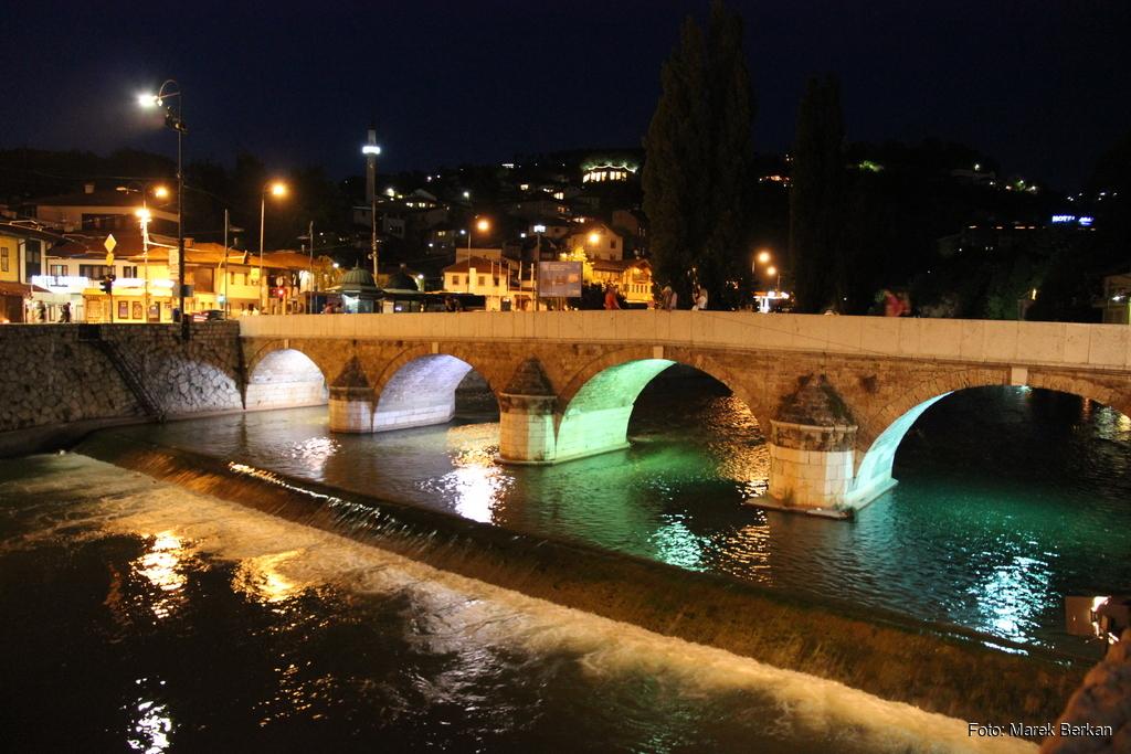 Sarajewo nocą