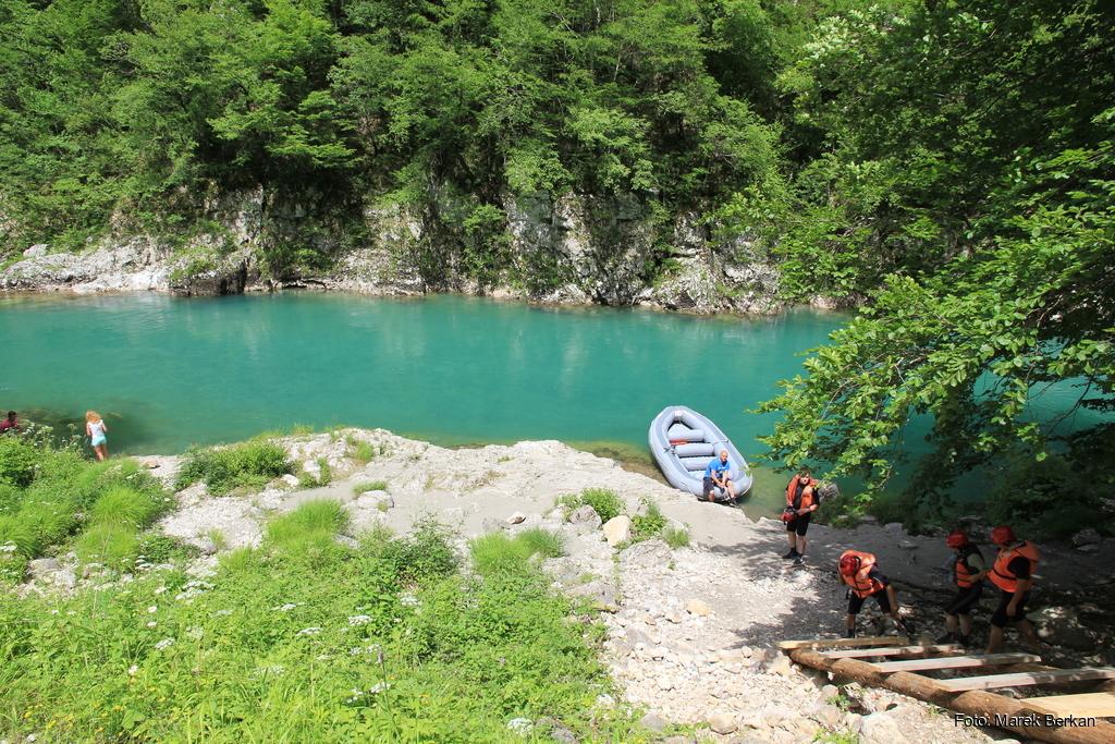 Czarnogóra - rzeka Tara w Parku Narodowym Durmitor