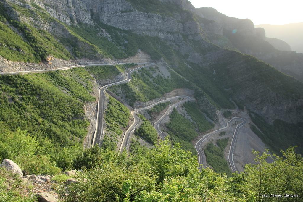 SH20 - serpentyny jak na drodze Trolli w Norwegii - tylko asfalt lepszy i ruch znikomy (2016)