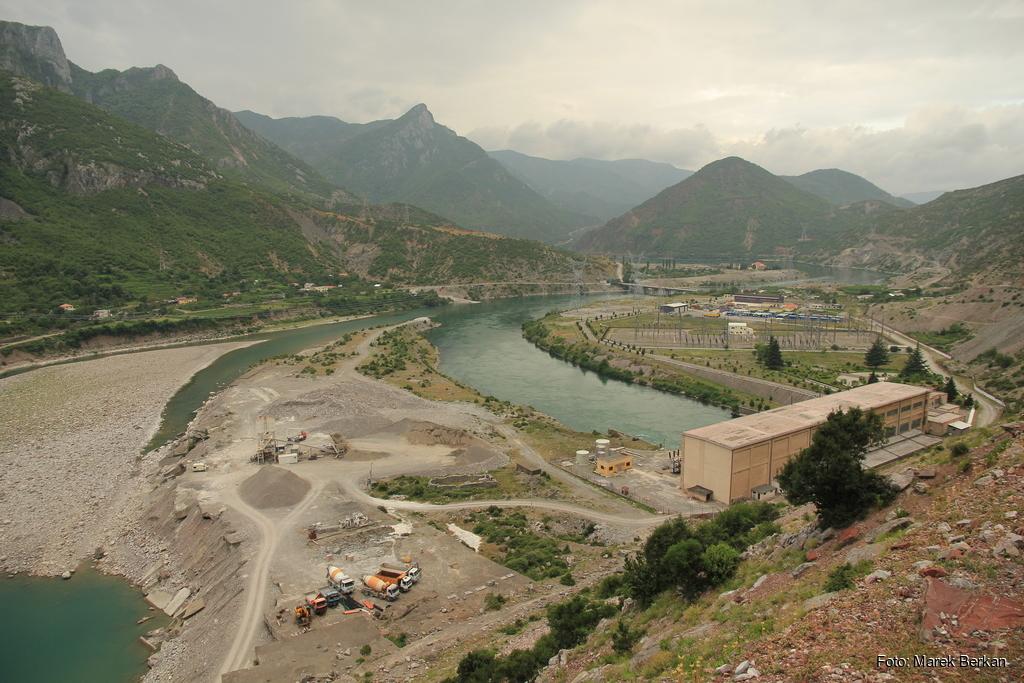 Elektrownia wodna w Koman (2016)
