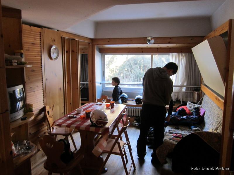 Apartamentowiec Artuik - jadalnia z aneksem