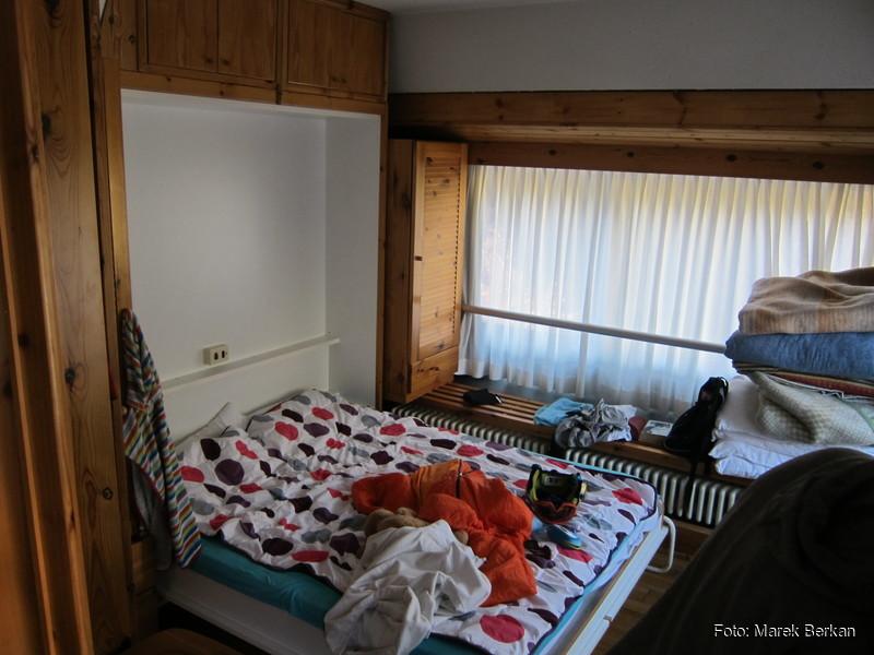 Apartamentowiec Artuik - duża sypialnia