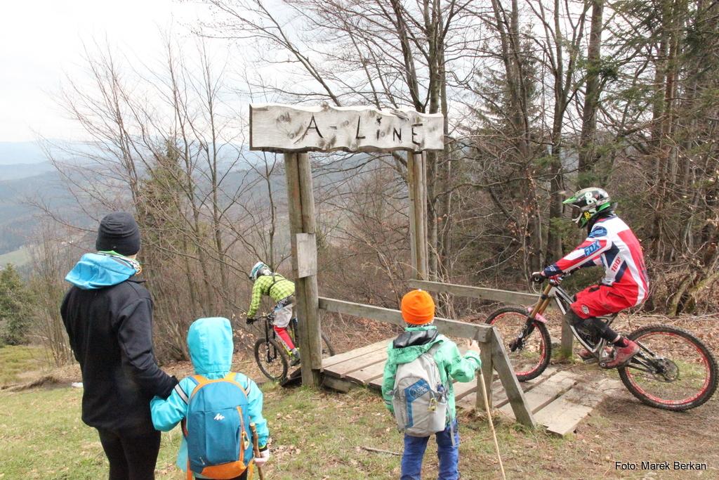 Trasa downhillowa przy schronisku Stożek