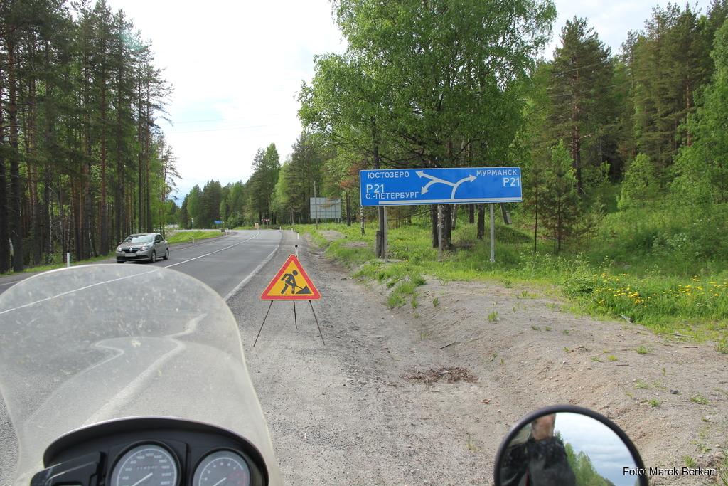 Miedwieżjegorsk:  skrzyżowanie z drogą na Murmańsk