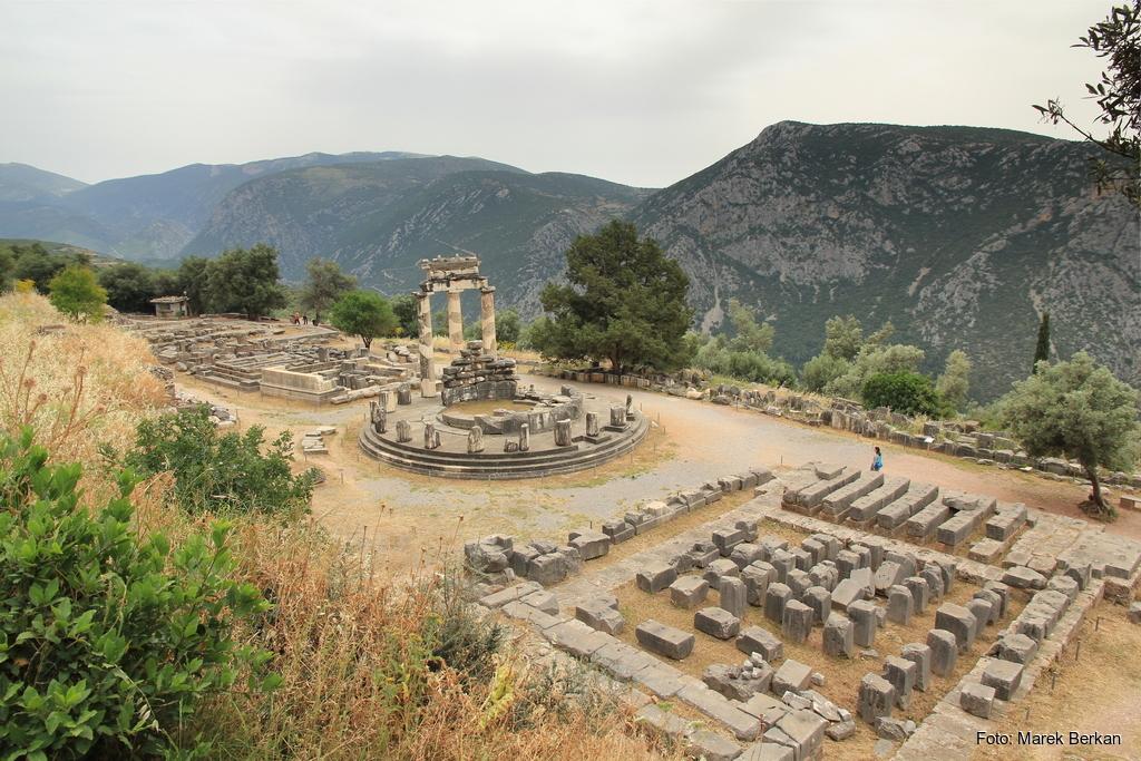 Delfy - ruiny świątyni
