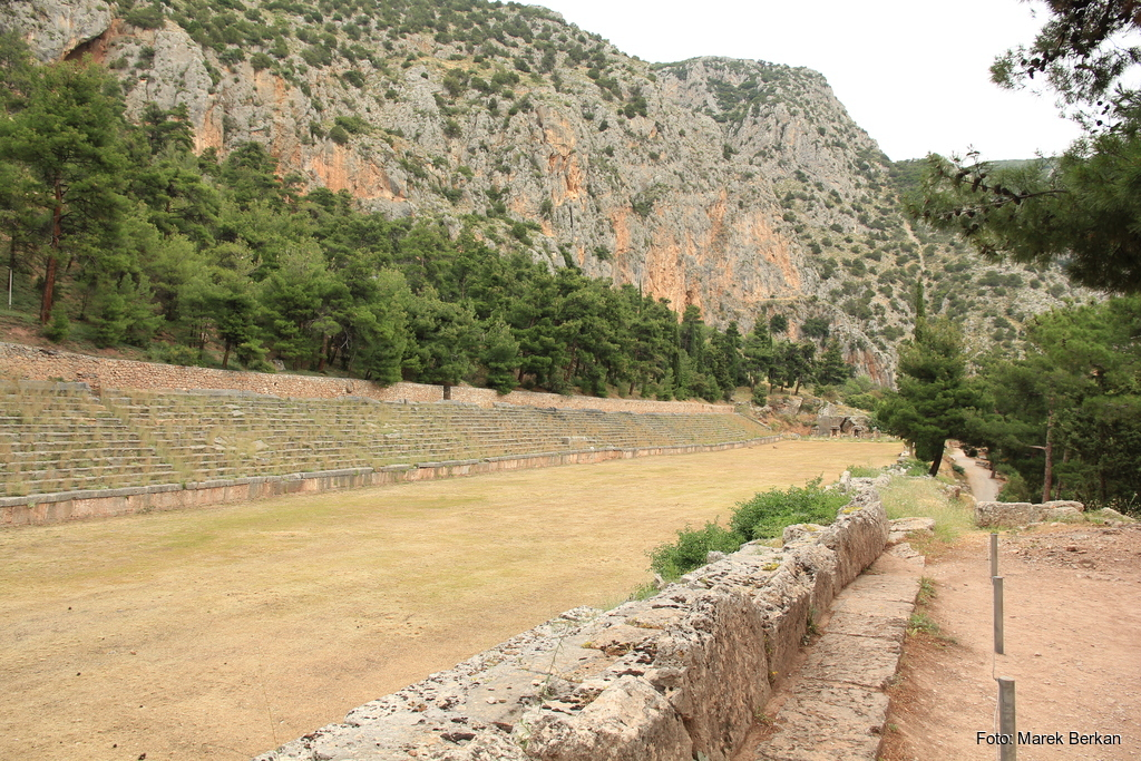 Delfy - stadion sportowy
