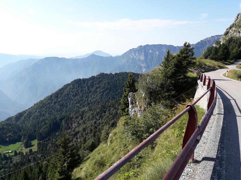 Podjazd pod przełęcz Tremalzo